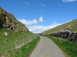 Walking down Dowel Dale