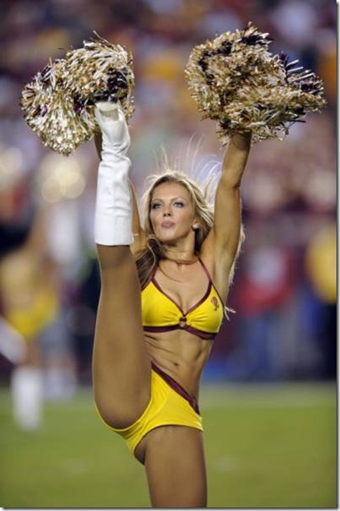 nfl-cheerleaders-work-008