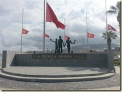 20150619_monument Kusadasi beach (Small)