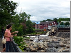 Nice place to see the glacial potholes