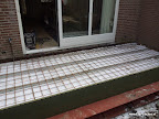 Bekisting geplaatst en krimpnet rond 8 mm ter voorkoming scheuren van het beton
