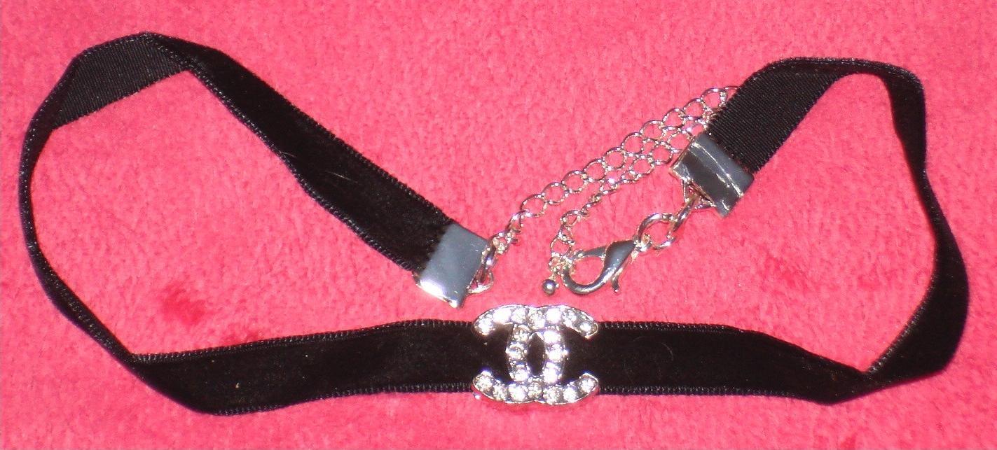 5  8 Velvet Choker Collar