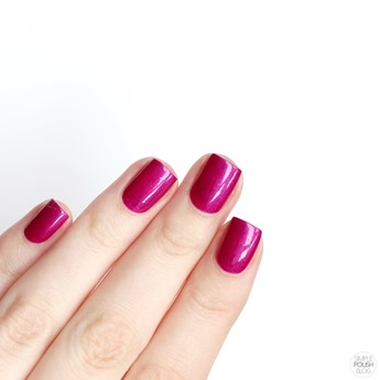 Essie-Jamaica-me-crazy-swatch-review-2