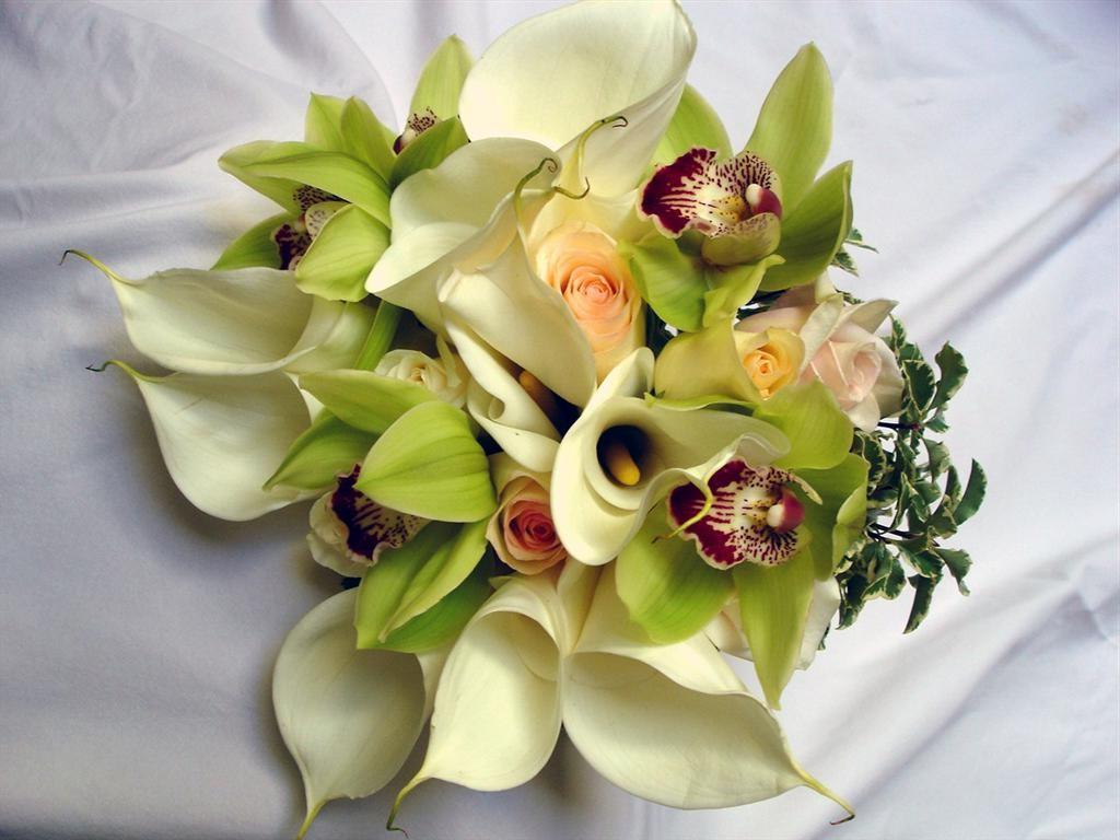 calla lily wedding cake teal