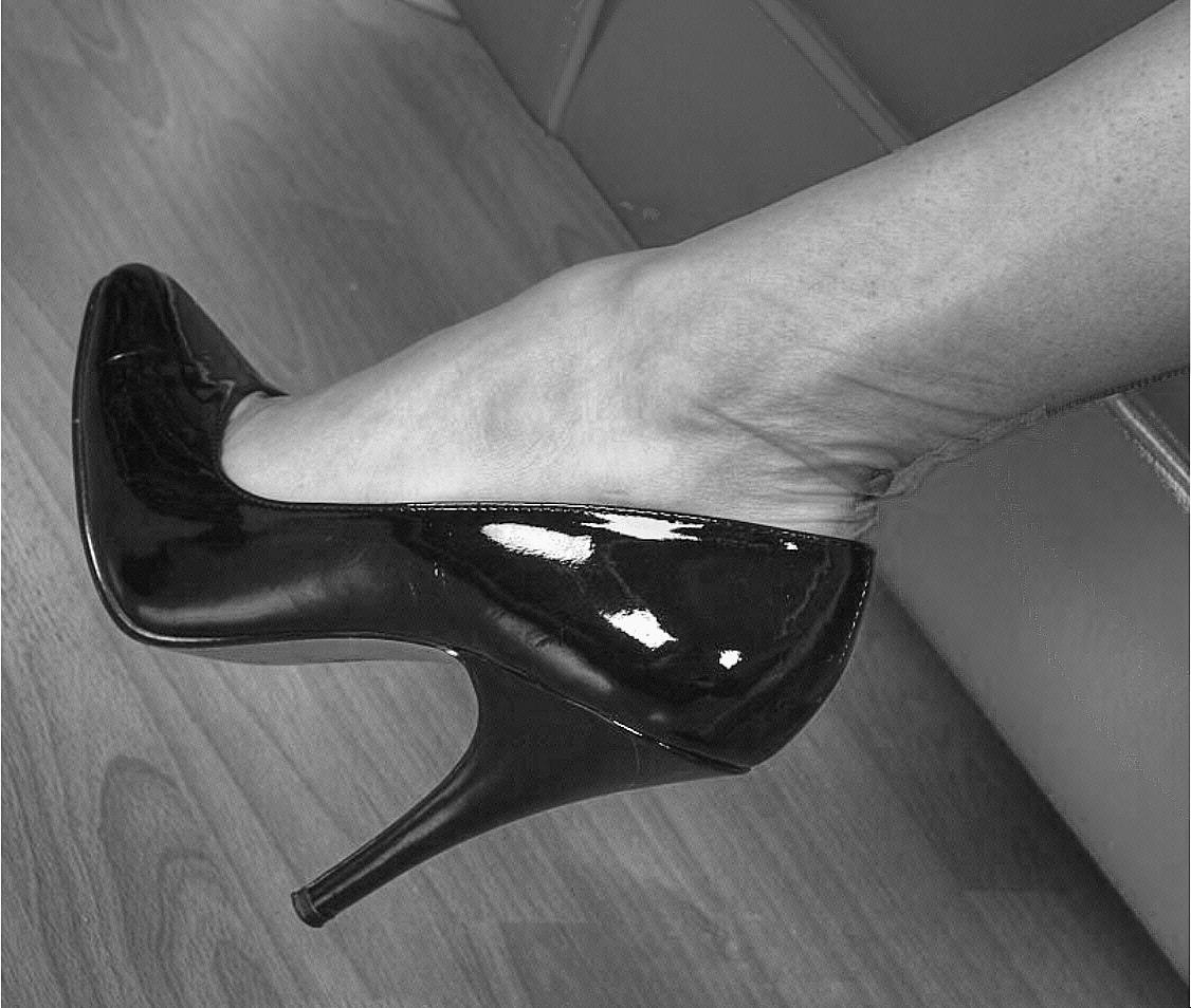 the appeal of high-heels.