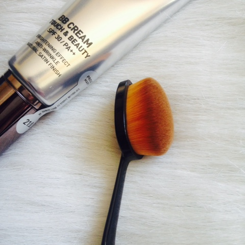 Purple Tags Paddle Foundation Brush