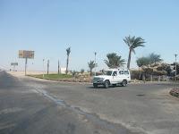 Cu jeep-urile spre deşert