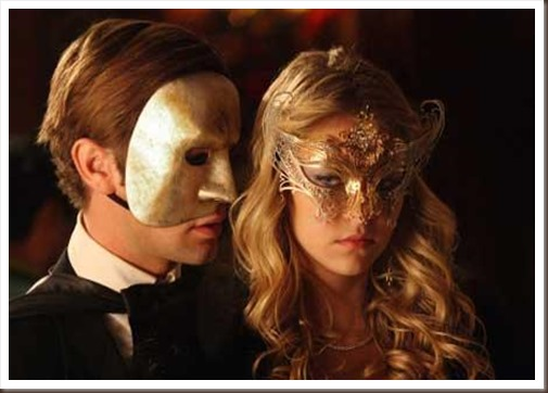 Glamorous-and-Sexy-Marie-Antoinette-Masquerade-Ball_2 - copia