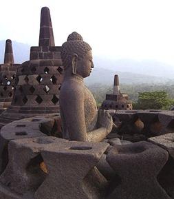 522px-Borobudur-perfect-buddha
