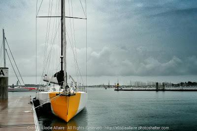 Bastide-Otio, l'IMOCA de Kito de Pavant, à Lorient avant son départ.