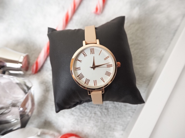 christmas-gift-guide-for-her-women-girls-asos-rose-gold-watch-olivia-burton