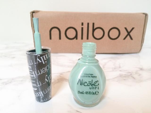 beauty-blog-nail-art-midweek-manicure-monday-manicure-nailbox-beauty-subscription-box-polishaholic-mint-green-nails-pink-nails-orange-nails-purple-nails-glitter-nails-orly-colour-blast-fiery-orange-nicole-by-opi-alex-by-the-brooks-rimmel-lucky-lilac-essie-status-symbol-elegant-touch-nail-polish