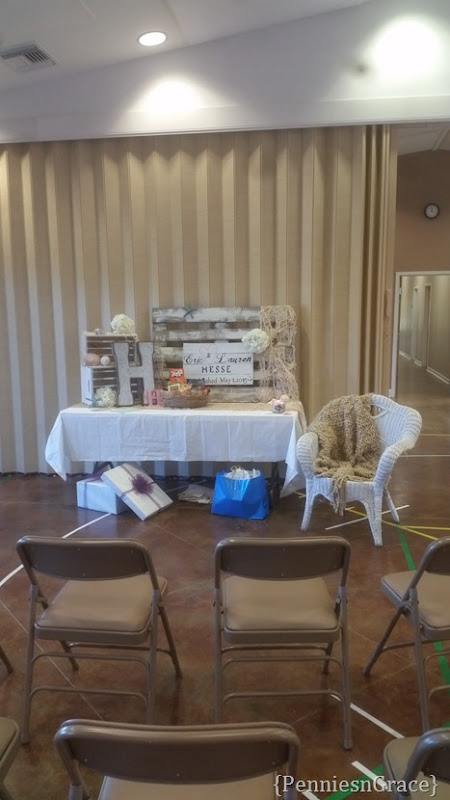Gift table (2)
