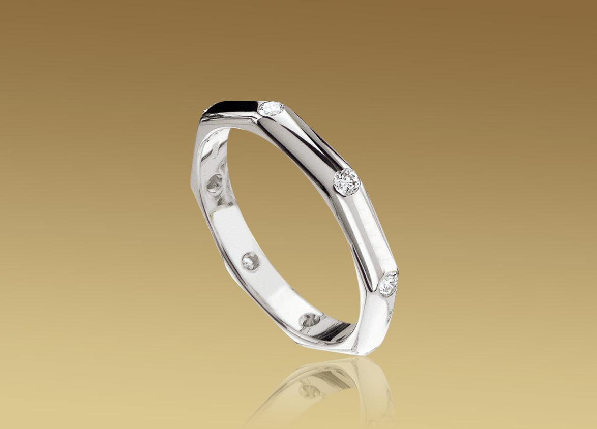 Wedding band in 18 kt white