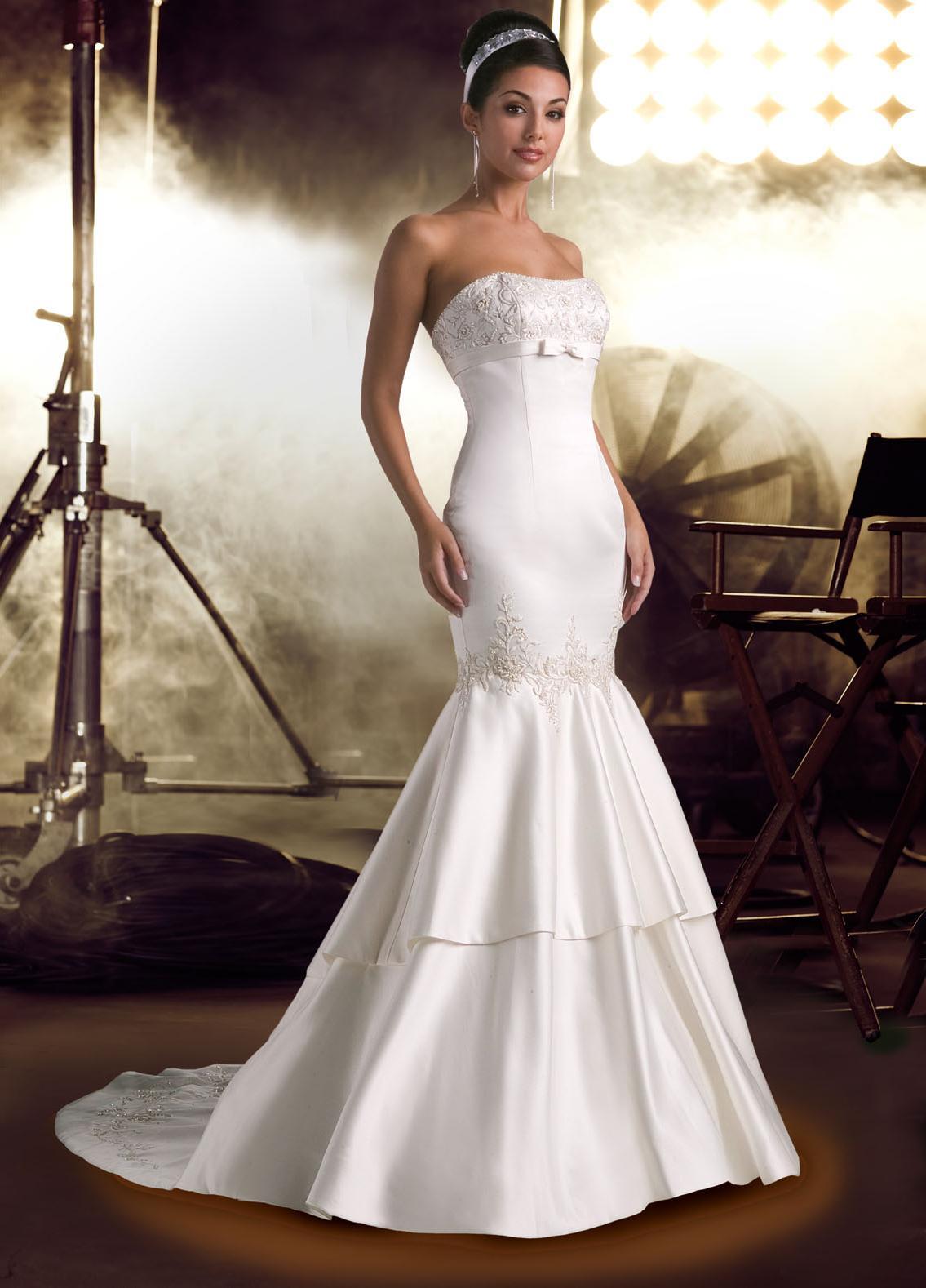 Satin Mermaid Brush Train Sleeveless Strapless White Wedding Dress Nawd0242
