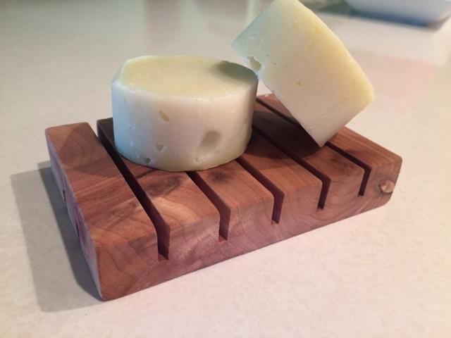 Lewmannation diy aromatic cedar wood soap dish keeper for Portasapone fai da te