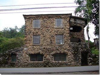 400px-Casa_de_pedra