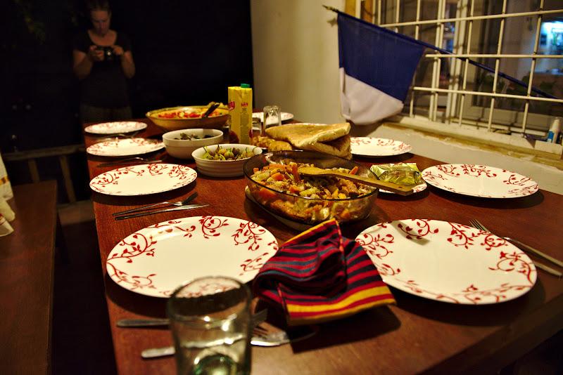 Una din mesele comune de seara.