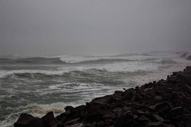 jetty-storm-2