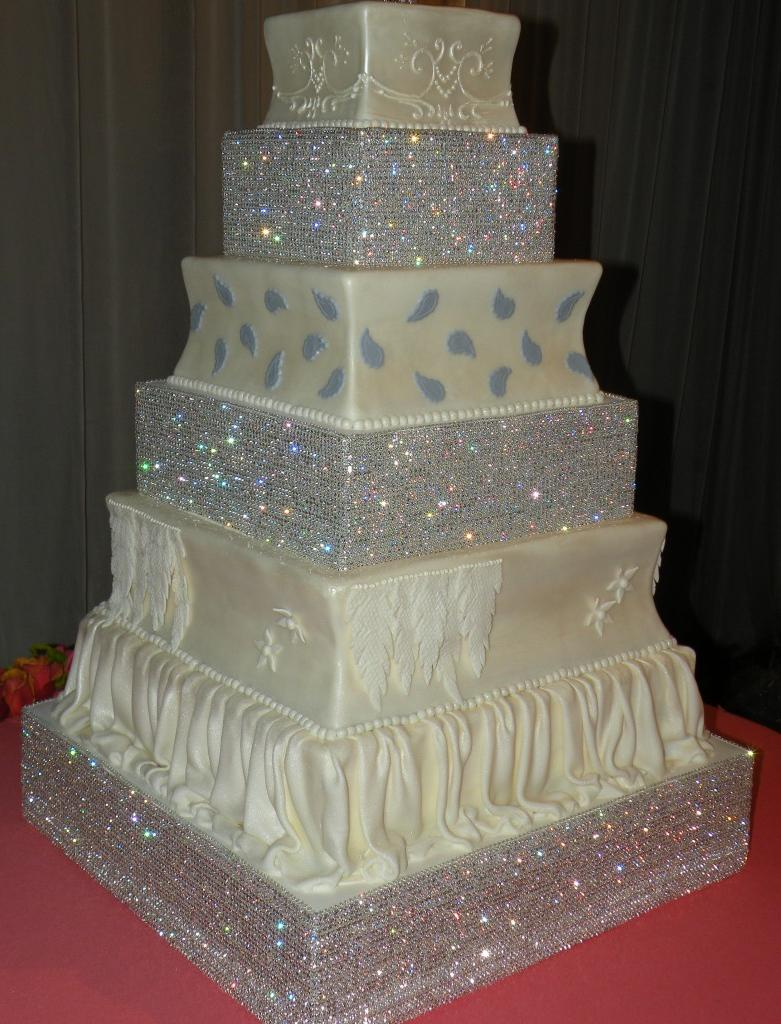 bling cake stand 781x1024