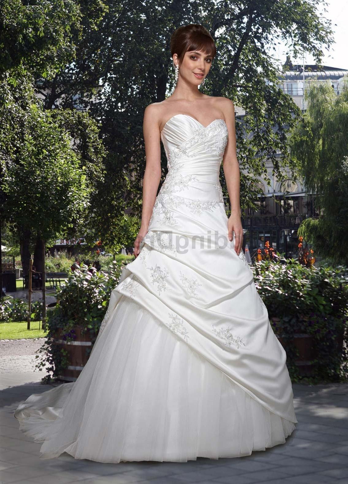 Dress. Satin A-Line