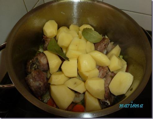patatas guisadas con costilla de cerdo y alcachofas4 copia