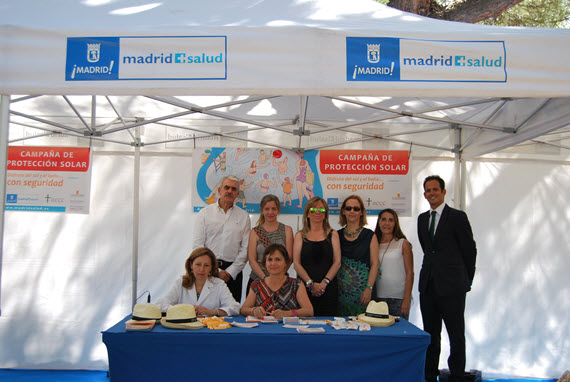 Campaña de prevención del melanoma en las piscinas municipales