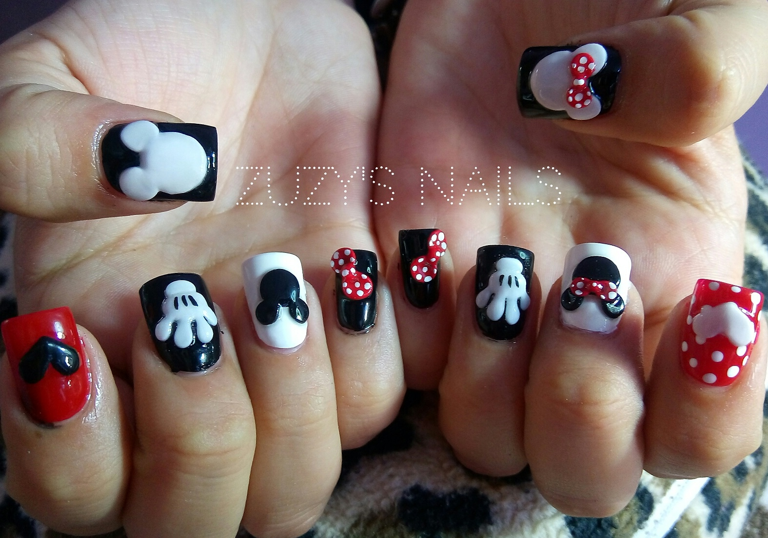 Zuzy\'s Nails: Mickey Mouse Nails