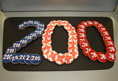 бисквиты Дженсона Баттона в честь его 200-сотой гонки на Гран-при Венгрии 2011