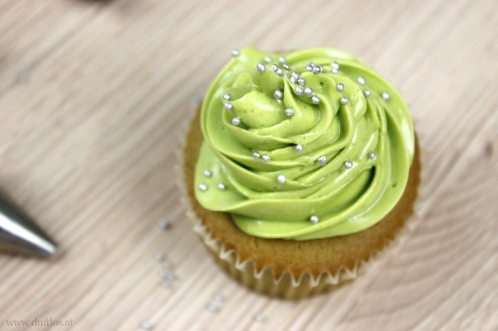 Matcha_Cupcakes_mit_grüner_Buttercreme (5)