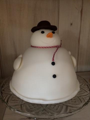 Snowman Cake - Little House Lovely - Festive Food