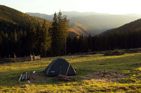 карпаты поход осень палатка