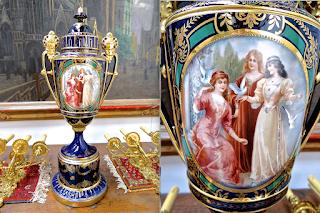 Красивая ваза. ок.1870 г. Ручная роспись, позолота. Высота 76 см. 2700 евро.