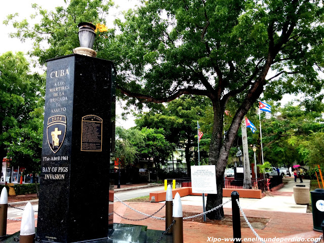 monumento-heroes-cubamos-miami-little-havana.jpg