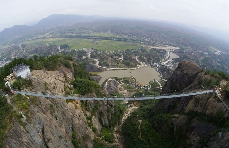 glass-suspension-bridge-china-7