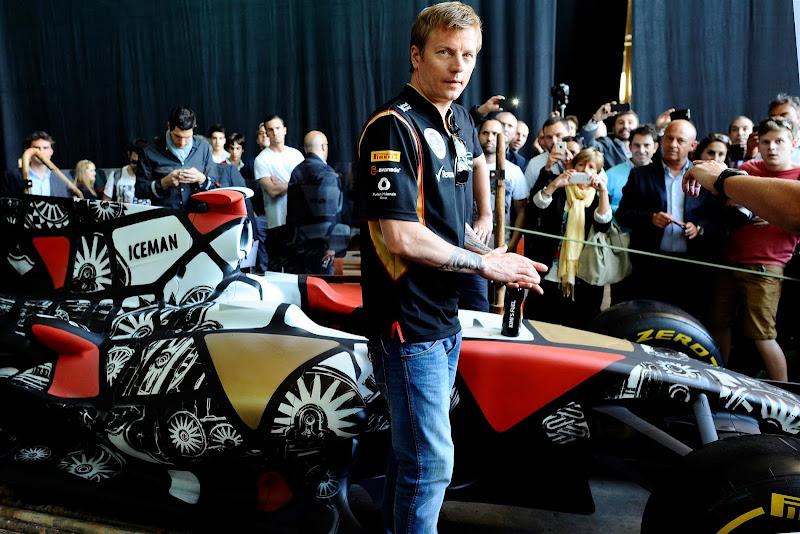 Кими Райкконен и болид Lotus в стиле граффити на Гран-при Испании 2013