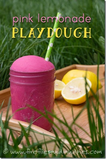 Pink lemonade playdough recipe - This is such a fun summer play dough recipe! A great kids activities for Toddler, Preschool, Kindergarten, 1st grade, 2nd grade, and 3rd Grade kids!