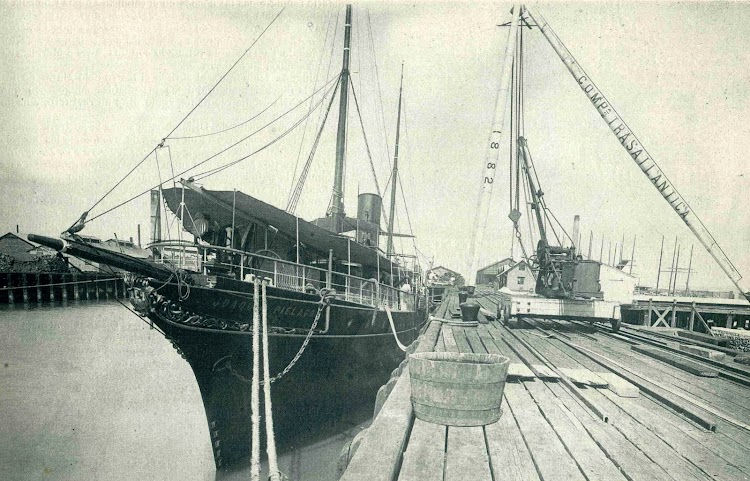 Detalle del JOAQUIN PIELAGO en el que se aprecia con claridad el potente reflector de proa. El Mundo Naval Ilustrado. Año 1897.jpg