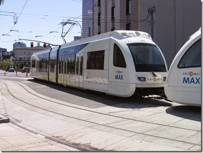 IMG_6066 TriMet MAX Type 4 Siemens S70 LRV #407 at Union Station in Portland, Oregon on May 9, 2009