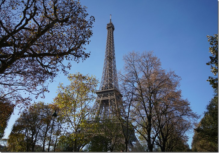 paris tour eiffel 111515 00000