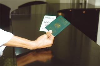 Les titulaires d'un passeport biométrique recevront automatiquement leurs carte nationale d'identité