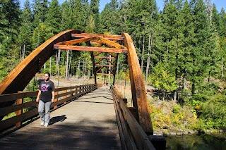 על הגשר- Umpqua river