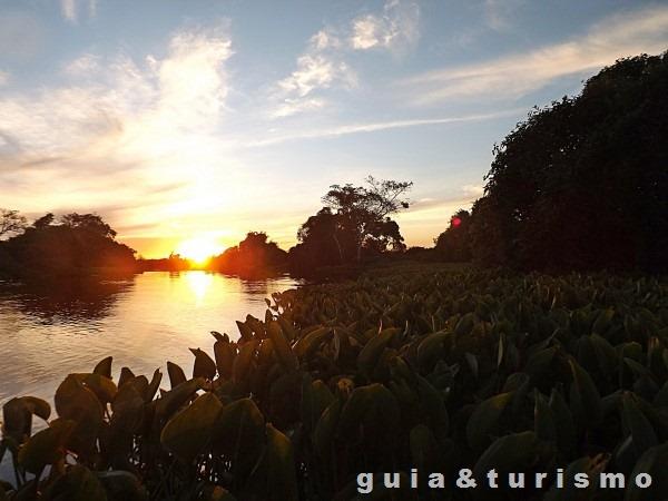 Passeio pelo Rio Cuiabá
