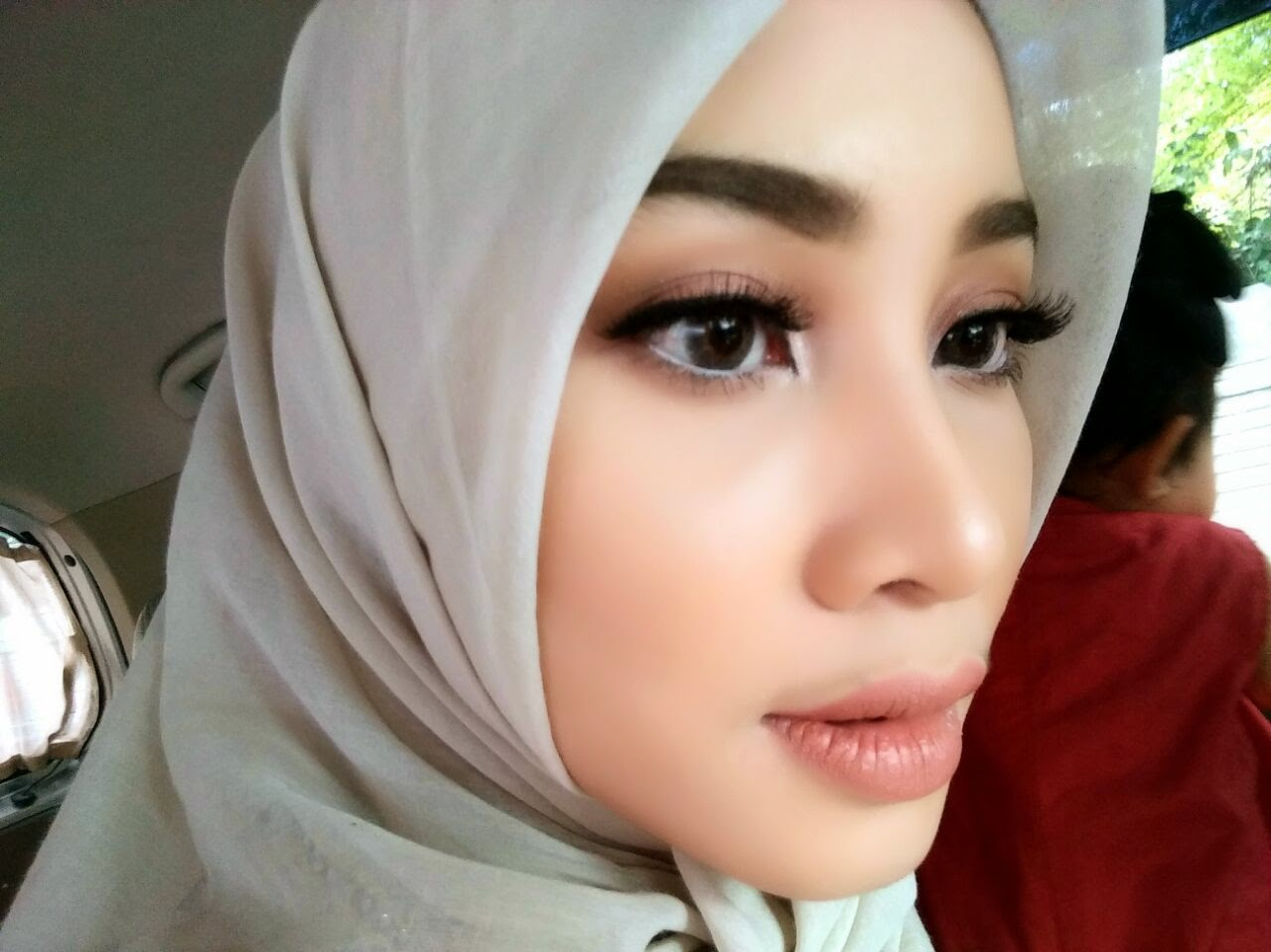 Dewi Neelam By Irna Make Up Eye Neutral