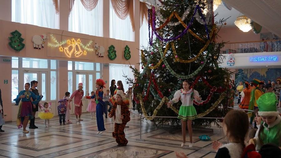 Новогоднее представление в Дворце творчества