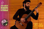 Armen Doneyan, joven y gran virtuoso de la guitarra, en el concierto realizado en el Instituto Francés de Valencia.