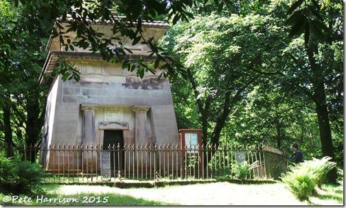 23-mausoleum-p