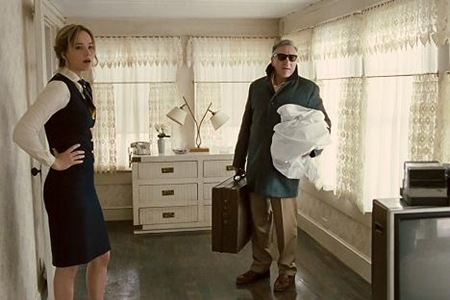 jennifer lawrence & robert de niro in JOY