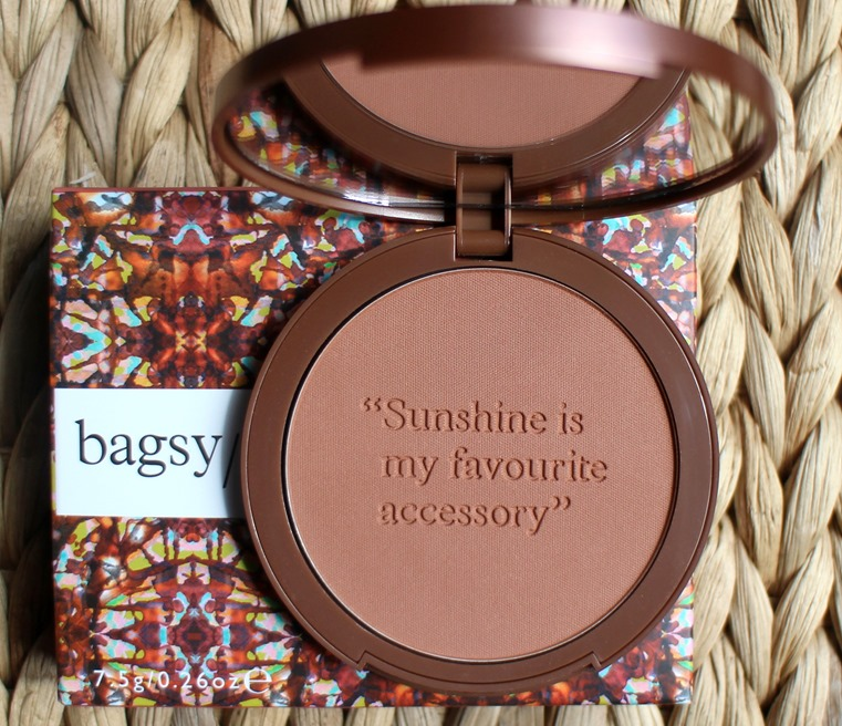 Bagsy-Beauty-Bronzer-Medium-Dark-02-review-swatches