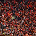 Mecz transmitowany był na żywo przez publiczna TV.